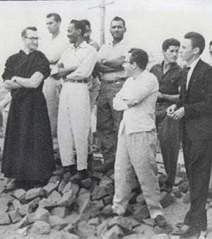 padres beneditinos em mineiros